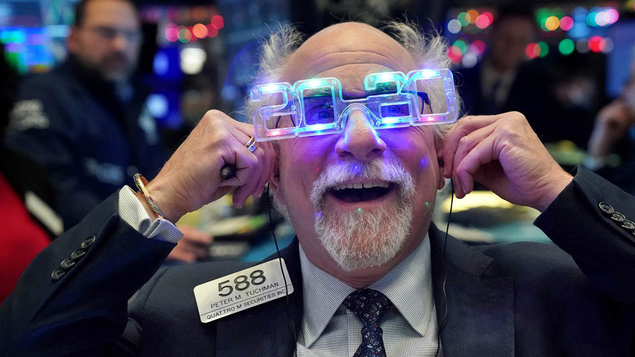 Obchodník na newyorské burze NYSE během silvestrovského dne