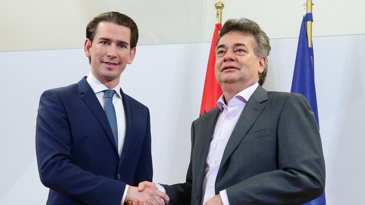Předseda rakouských lidovců (ÖVP) Sebastian Kurz a šéf Zelených Werner Kogler.