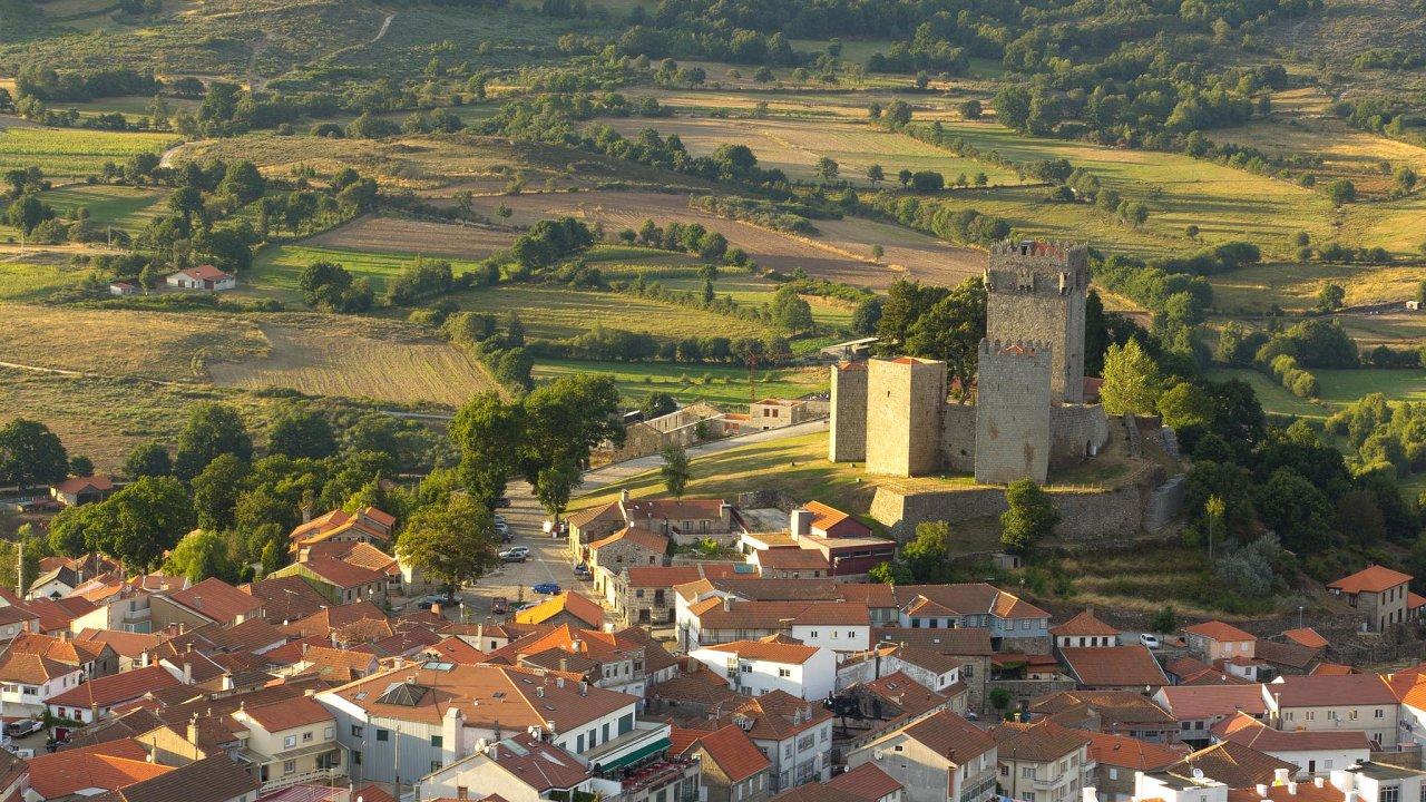 U malebného městečka Montalegre by mohl být časem největší lithiový důl vEvropě. Ne každému se to ale líbí.