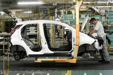 V Kolíně vznikají malá auta tří automobilek – Toyoty, Peugeotu a Citroënu. Teď ale výroba kvůli minimální poptávce stojí.