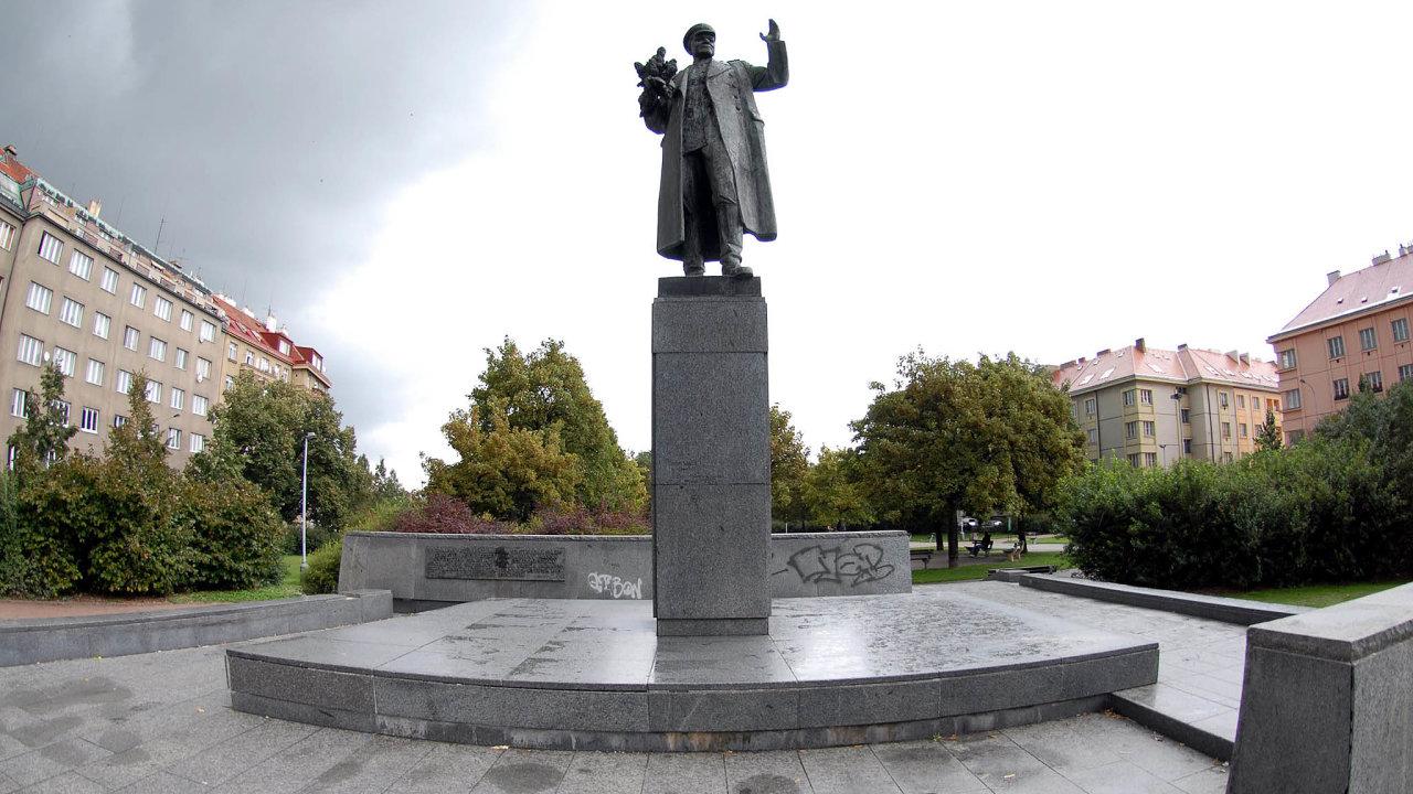 Maršál Koněv. Pro mnoho Čechů kontroverzní postava, účastník osvobození Prahy i okupace v roce 1968, pro mnoho Rusů především hrdina Velké vlastenecké války.