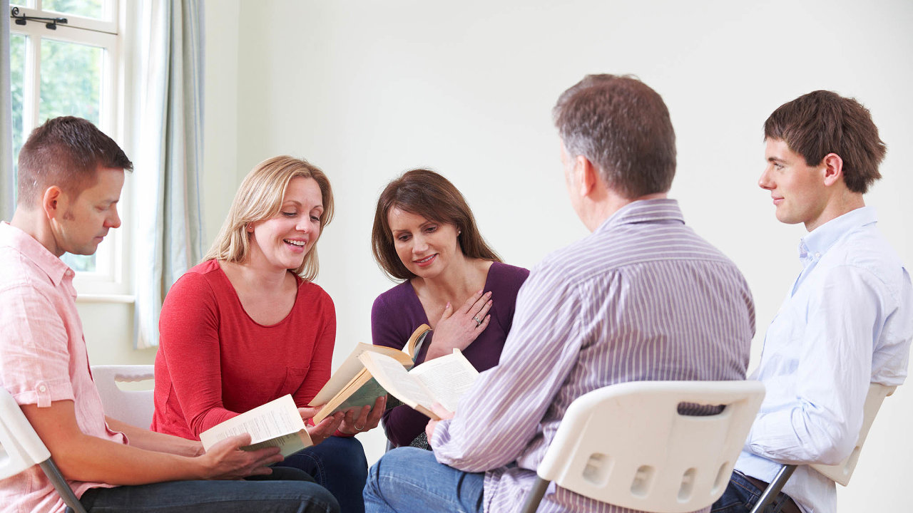 Podělit se opříběh. Jedna věc je převyprávět příběh zknihy ajiná je přímo ho dalším lidem předčítat.