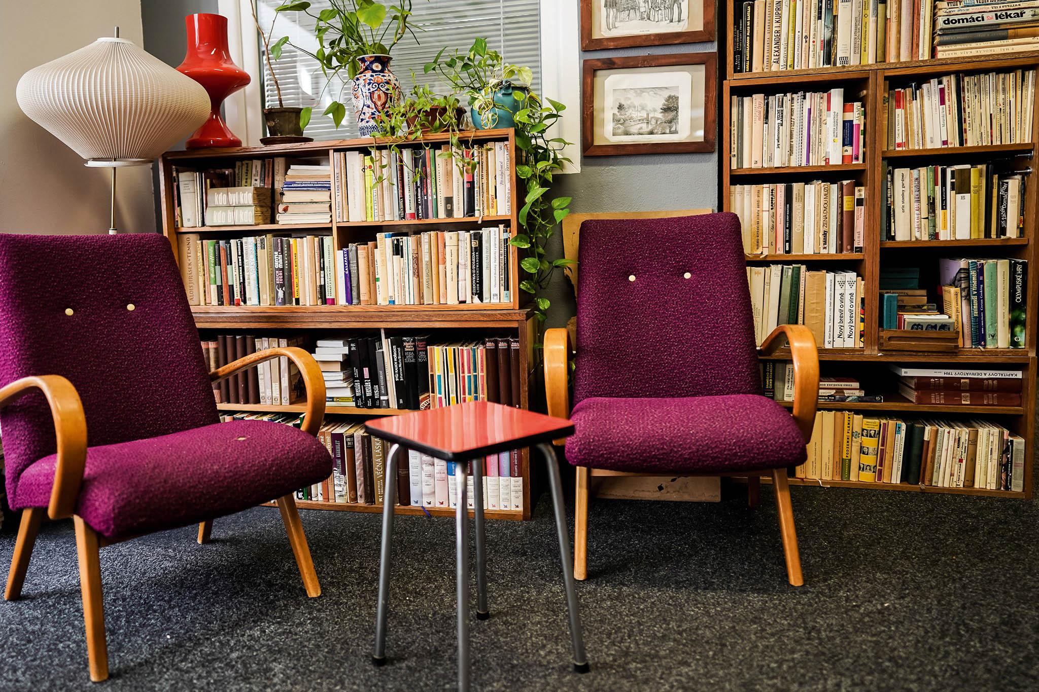 Parta Knihobot vytvořila moderní e-shop pro knihy zdruhé ruky. Díky automatizaci avlastním programátorům už prodali přes 100 tisíc knih.