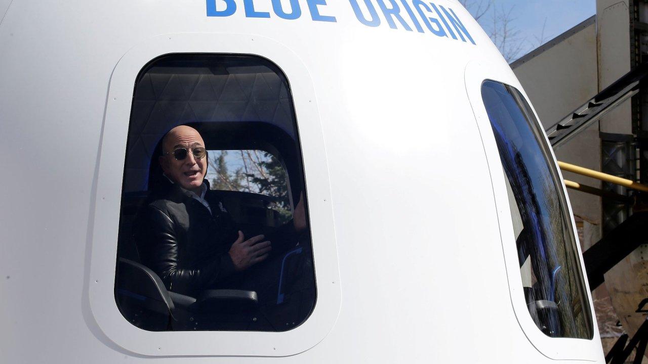 Jeff Bezos se osobně vydá do vesmíru.
