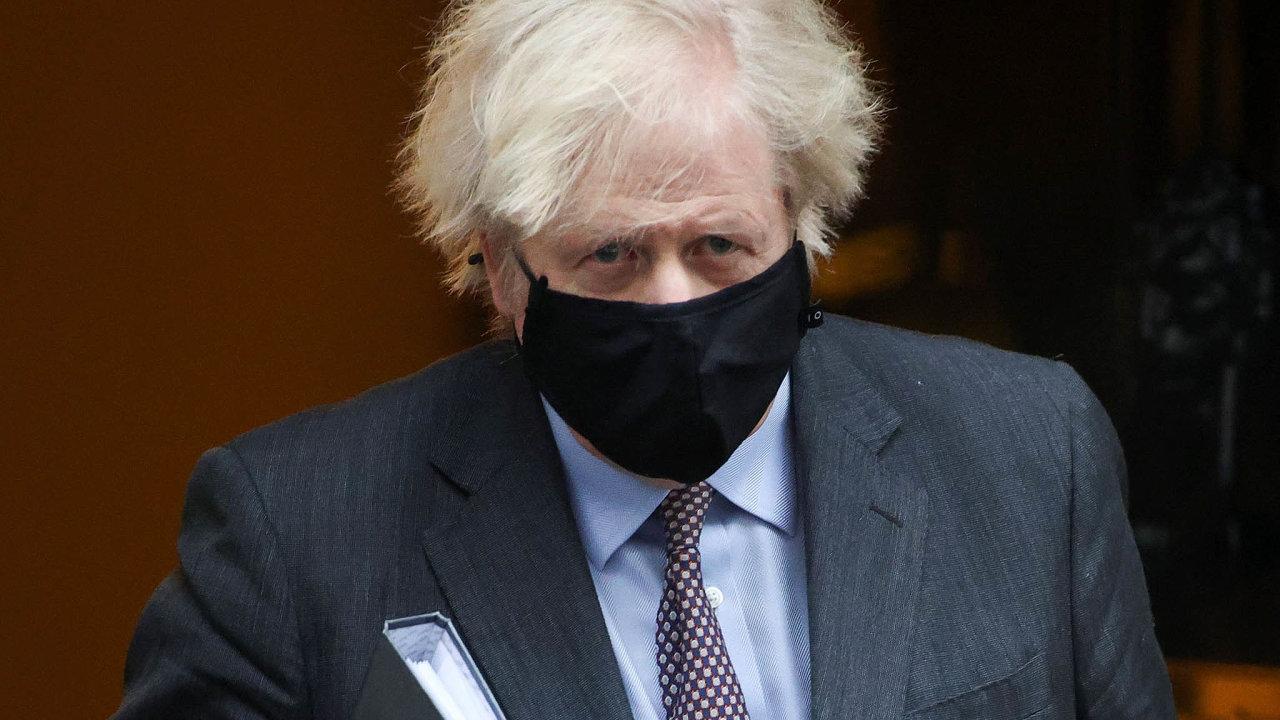 Britský premiér Boris Johnson vpondělí představil plán postupného uvolnění koronavirových restrikcí vAnglii. Bude se odehrávat večtyřech etapách.