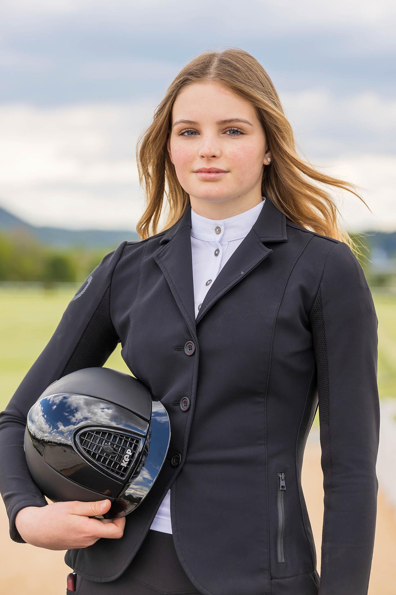 Mladá naděje parkurového sportu: na snímku Anna Marie. Dcera druhého nejbohatšího Čecha Radovana Vítka.