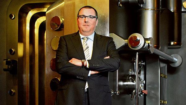 Guvernér ČNB Miroslav Singer chce garance, že centrální banka nepřijde o své pravomoce