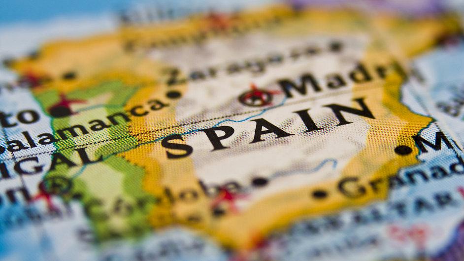Počet lidí bez práce ve Španělsku klesl.