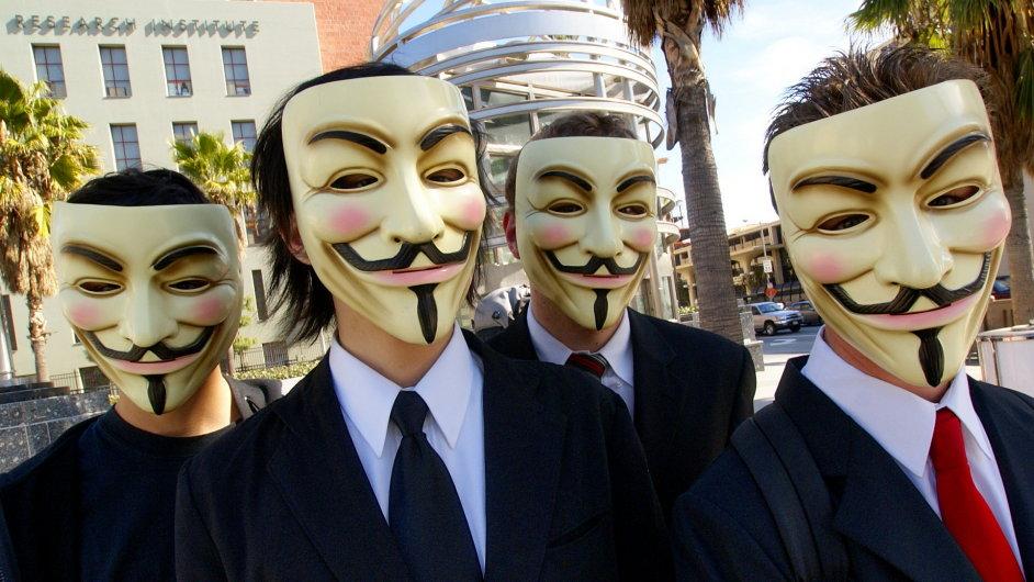 Hackeři Anonymous svoji identitu skrývají za masku komiksové postavy