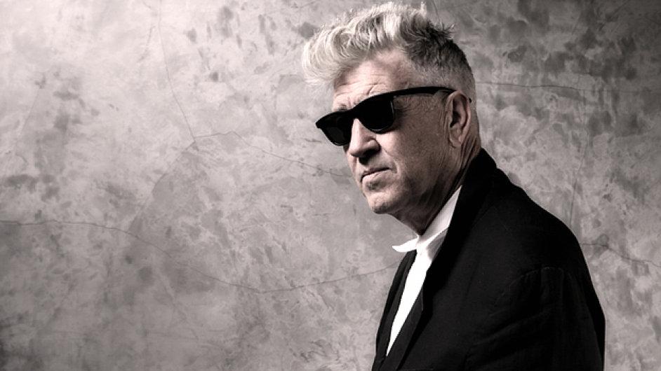 David Lynch opět popadl kytaru místo kamery