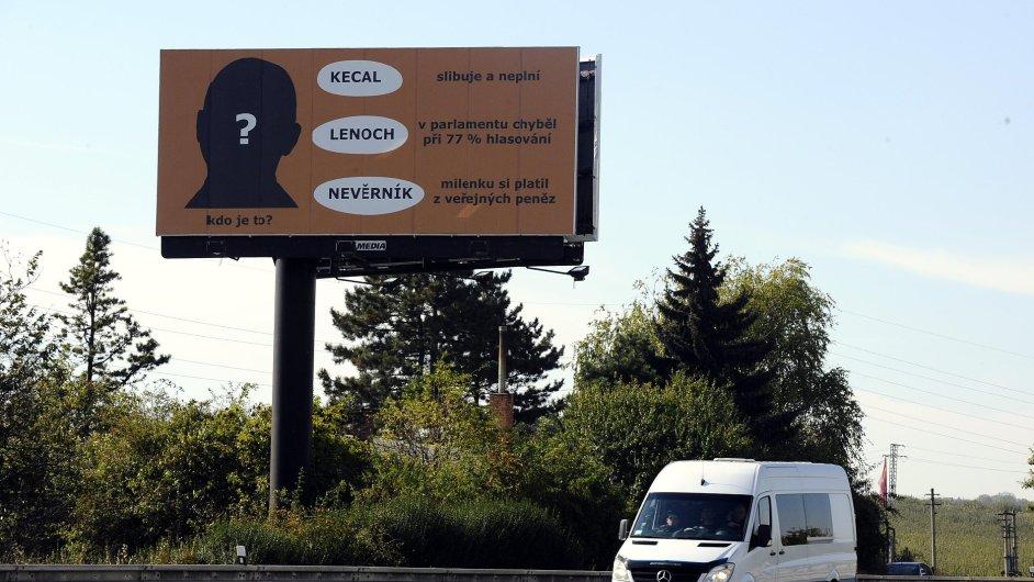 Billboard hanící hejtmana Jihomoravského kraje Michala Haška