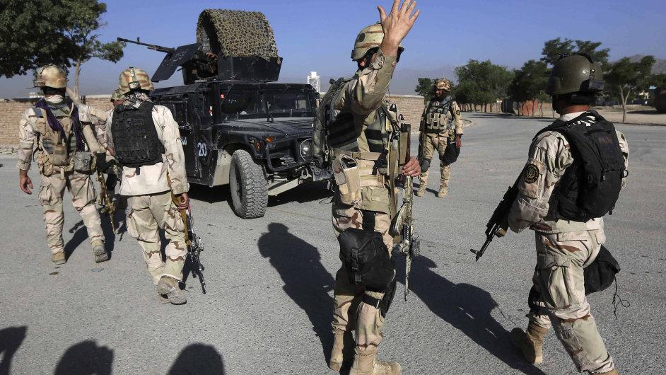 Minulý týden zemřeli v Afghánistánu při sebevražedném atentátu čeští vojáci.