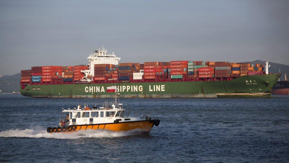 Většina zboží z Číny do Evropy nyní putuje námořní cestou v kontejnerových lodích, nejčastěji přes Suezský průplav.