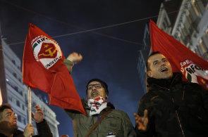 Podp�rci v�t�zn� strany Syriza.