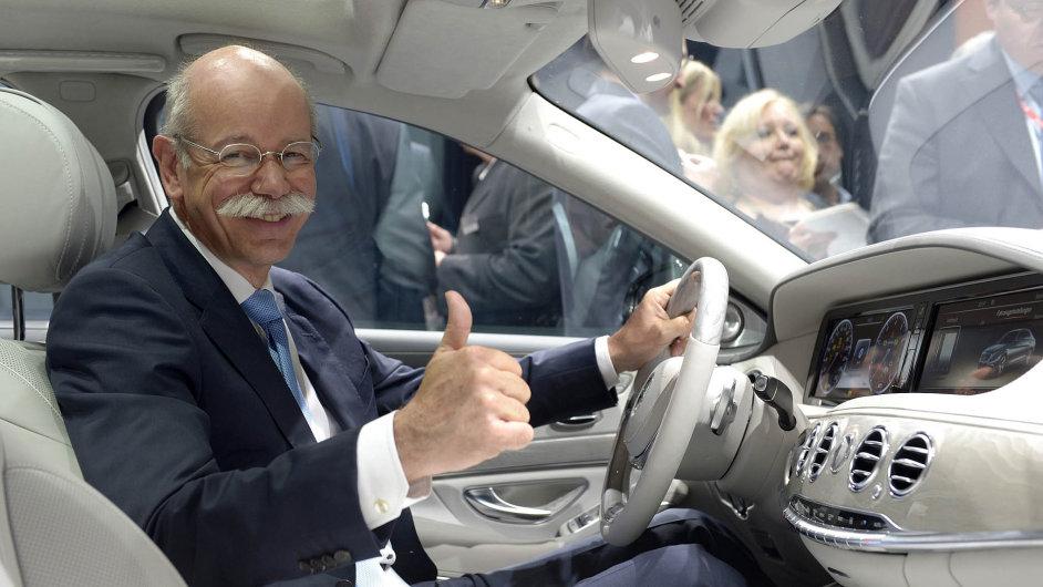 Nejdéle sloužící šéf Daimleru Dieter Zetsche.
