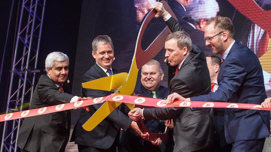 V Kladně vyrostla třetí výrobní hala Lega. Celkem se areál výrobce stavebnic rozkládá na ploše odpovídající 22 fotbalovým hřištím.