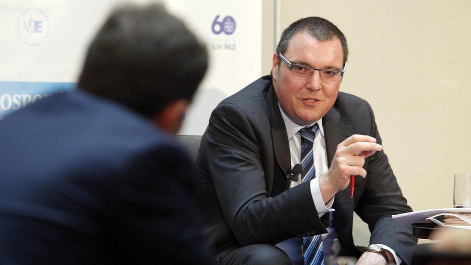 Fórum HN - Zhodnocení intervencí ČNB - Boj s inflací. Na snímku guvernér ČNB Miroslav Singer