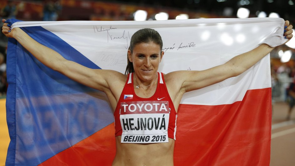 Atletka Hejnová obhájila titul mistryně světa v překážkách na 400 metrů.