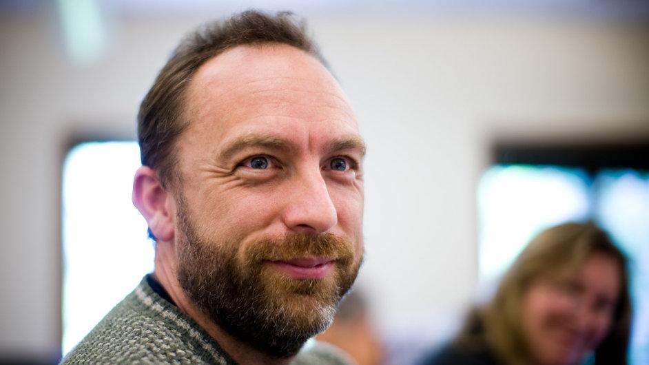 Spoluzakladatel Wikipedie Jimmy Wales pracuje na vytvoření vlastní sociální sítě.