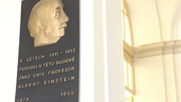 Einstein působil na Přírodovědecké fakultě na Viničné ulici.