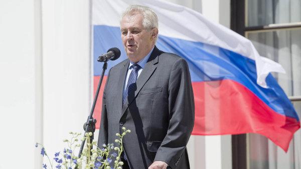 Prezident Miloš Zeman během oslav výročí konce 2. světové války na ruském velvyslanectví v Praze - Ilustrační foto.