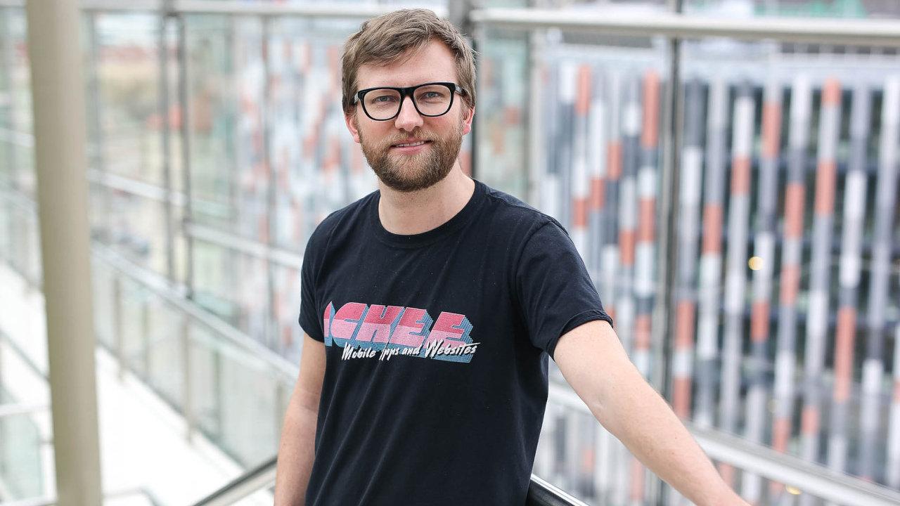Podle Josefa Gattermayera, spoluzakladatele německé pobočky Ackee, jsou zadávací dokumentace, které připravují české veřejné instituce, zbytečně právně složité.