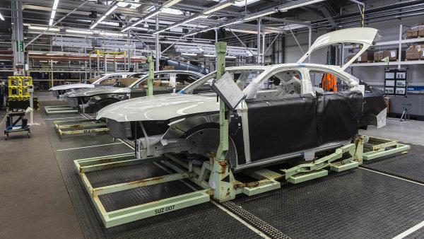 Bilanci podle statistiků opět nepříznivě ovlivnil obchod s auty - Ilustrační foto.