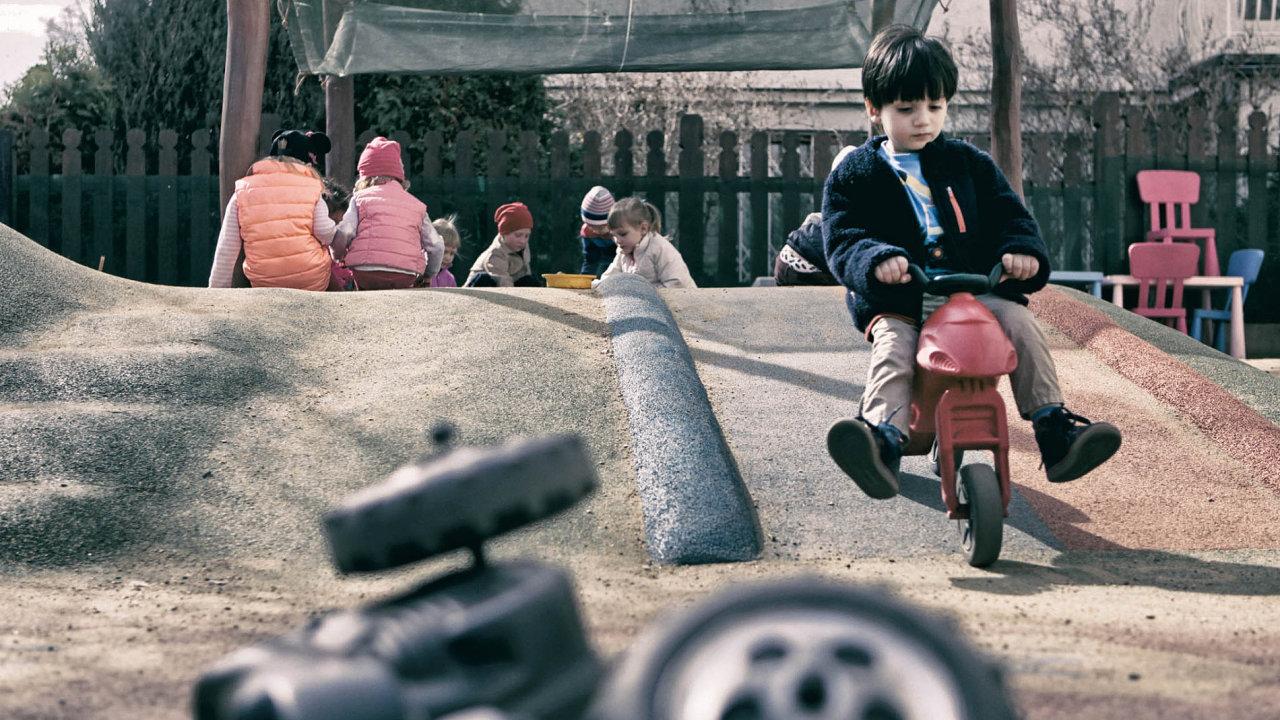 Dvouletí vMŠ: Vsoučasnosti navštěvuje školky zhruba polovina zcelkového počtu dětí mladších tří let.