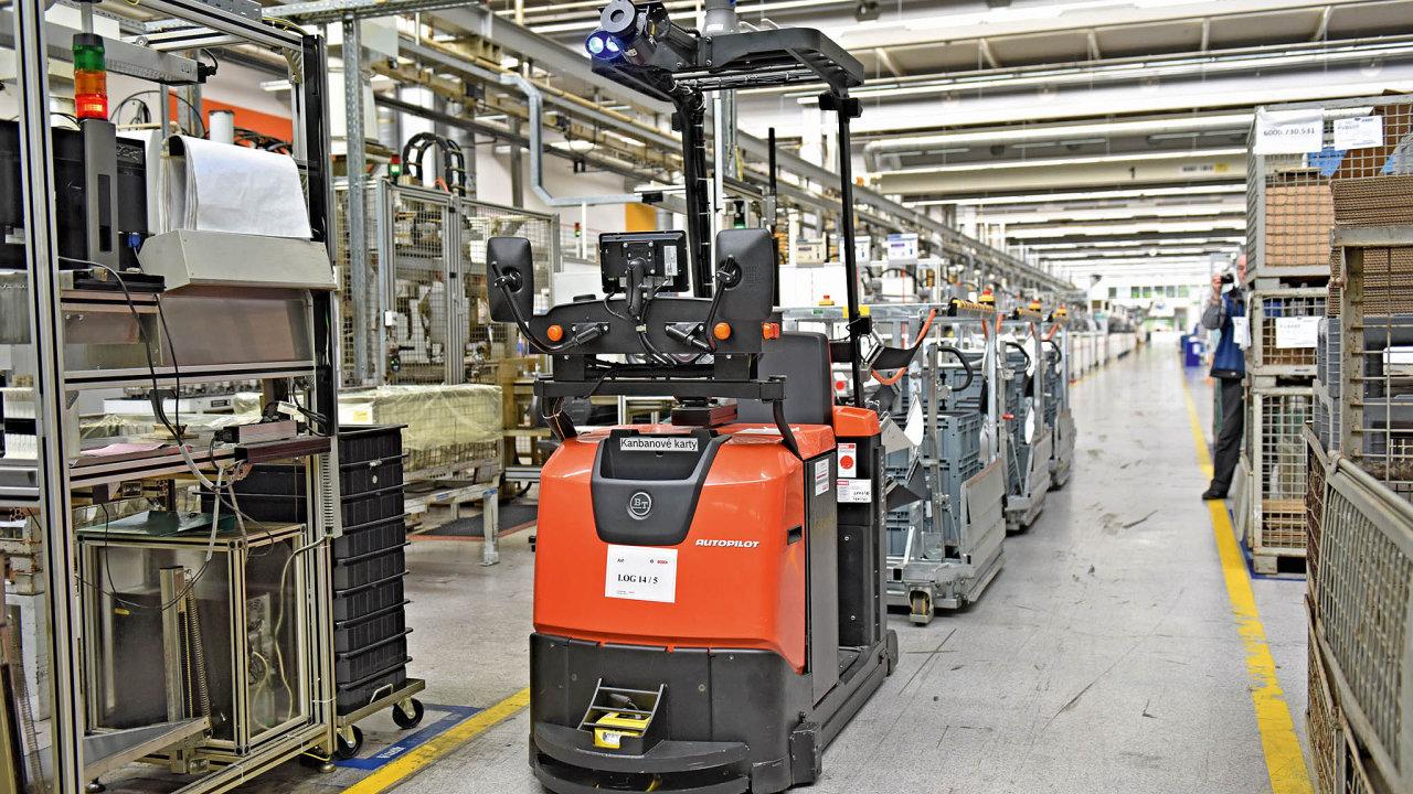 Bosch Diesel v Jihlavě spustil před pár lety rozsáhlý projekt nahrazení papírových dokladů digitálními, který přešel k nasazení automatického zásobování výroby pomocí tahačů s laserovou navigací.