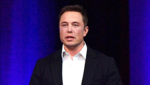 Tesla vytvořila výbor, který posoudí návrhy na stažení akcií firmy z burzy. Musk chce nabídnout o 20 procent vyšší cenu než trh