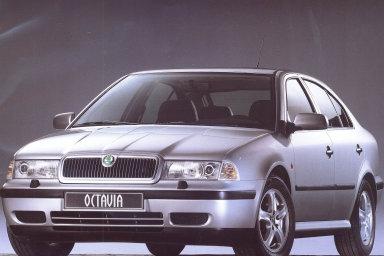 Z hlediska modelů vozů trhu stále dominují ojeté Škody Octavie.