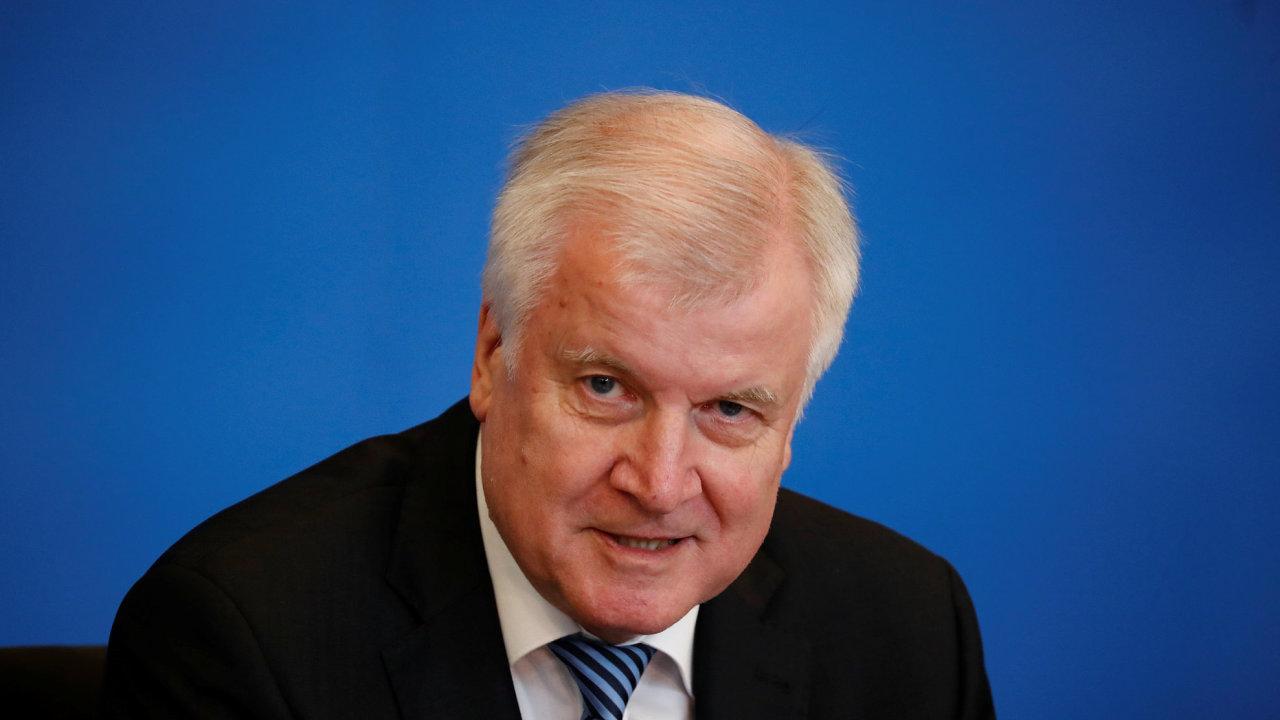 Německý ministr vnitra Horst Seehofer