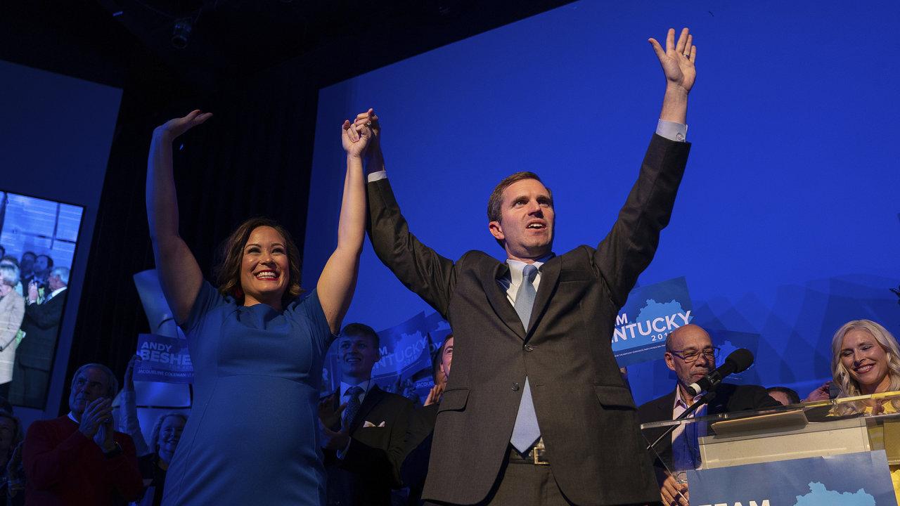 Demokratický kandidát Andy Beshear zvítězil ve volbách guvernéra ve státě Kentucky. Hlasování bylo považováno za test oblíbenosti Donalda Trumpa, který osobně podporoval jeho oponenta Matta Bevina.