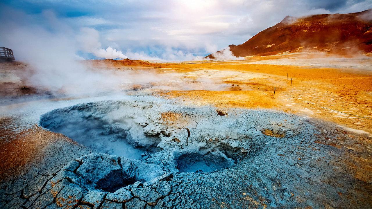 Island je ostrovní stát proslavený gejzíry a kouzelnou přírodou.