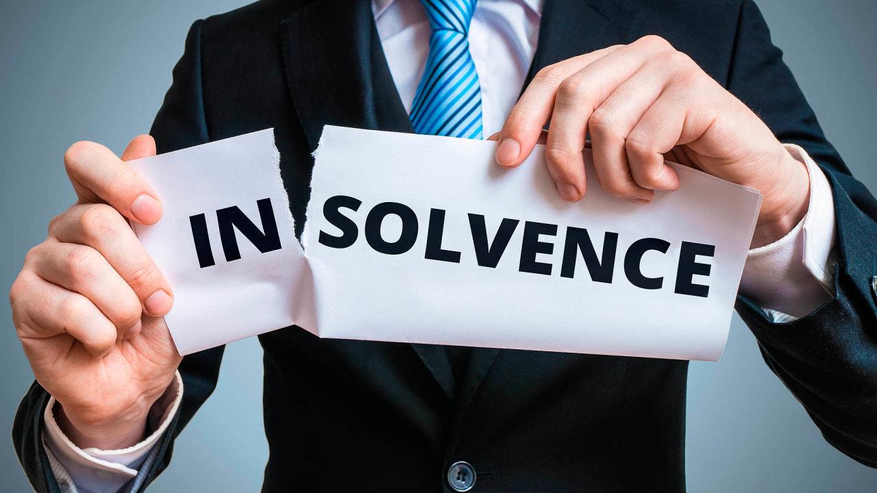 Vláda chystá plošný zákaz podávání insolvenčních návrhů věřiteli - firmy budou takto chráněné do konce srpna.