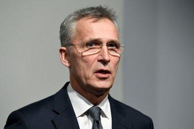 Jens Stoltenberg na tiskové konferenci v Hamburku.