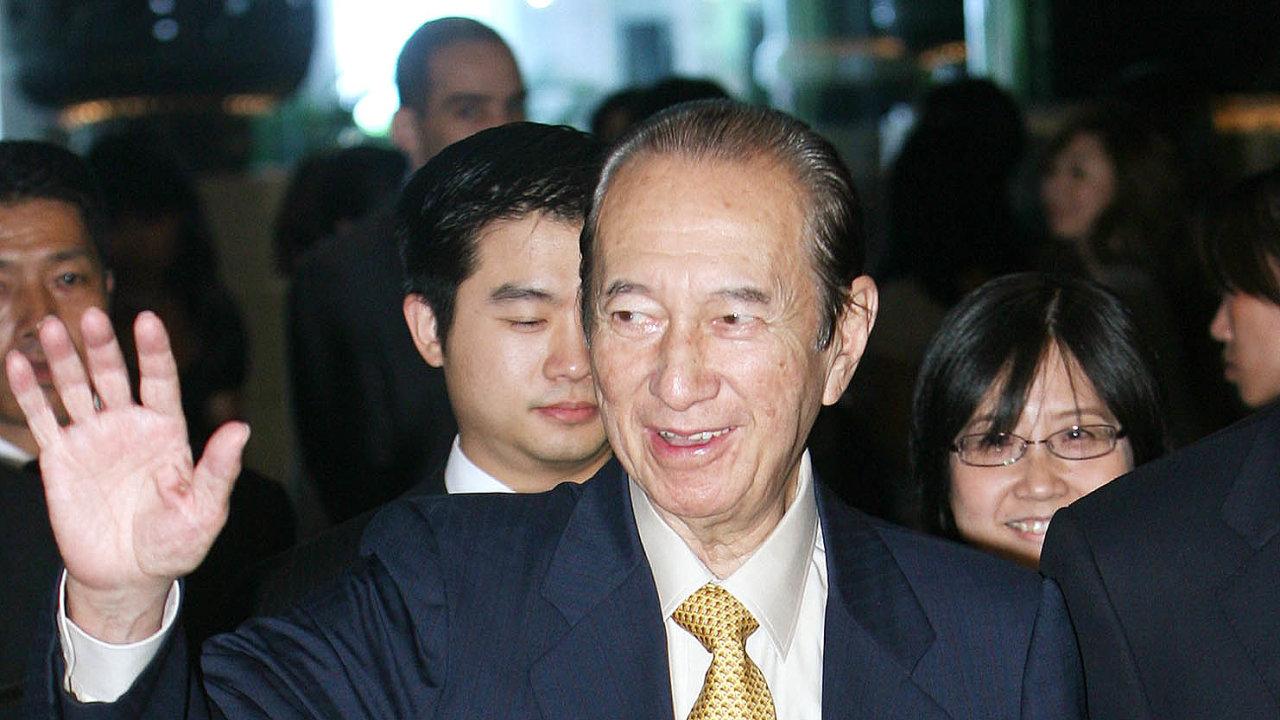 Odcházím. Vevěku 98let zemřel kmotr hazardu, Stanley Ho.