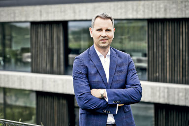 Koronakrize povede mimo jiné ike zrychlení digitalizace, změně komunikace sklienty či fungování uvnitř firem, domnívá sePavel Prokop.