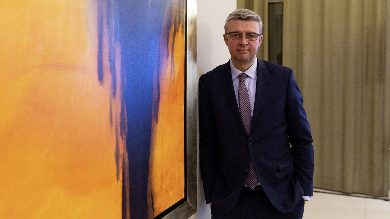 Místopředseda vlády pro ekonomiku Karel Havlíček (za ANO) má za sebou náročný rok, na jehož začátku si k řízení ministerstva průmyslu přibral ještě dopravu.