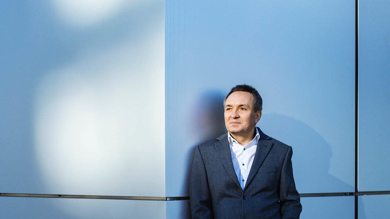 Prodejem firmy Auto Kelly za zhruba dvě miliardy korun zahájil Josef Koller před deseti lety svůj přerod z úspěšného podnikatele ve finančního investora.