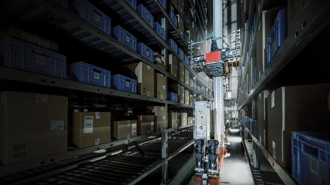 Automatizovaný sklad výrobce Atomic s vybavením od Jungheinrichu..