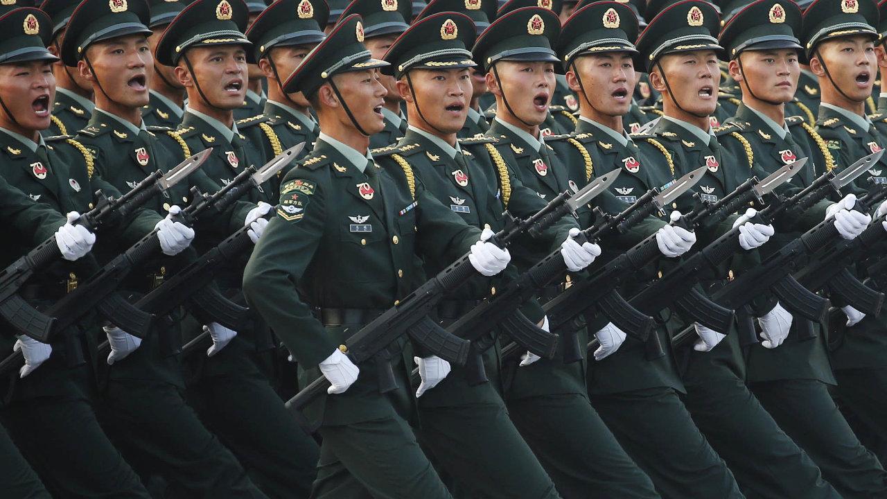 Nová světová velmoc:Pocelou dobu studené války vedruhé polovině 20.století tvořily světovou politiku především dvě rozhodující velmoci, USA aSovětský svaz. Teď doní výrazně promlouvá Čína.