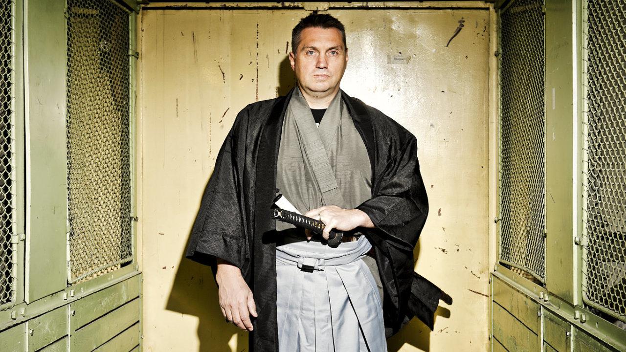 Japonské nože jsou pro Marka Šmída nejen zdroj obživy, ale také předmět dlouholetého zájmu.