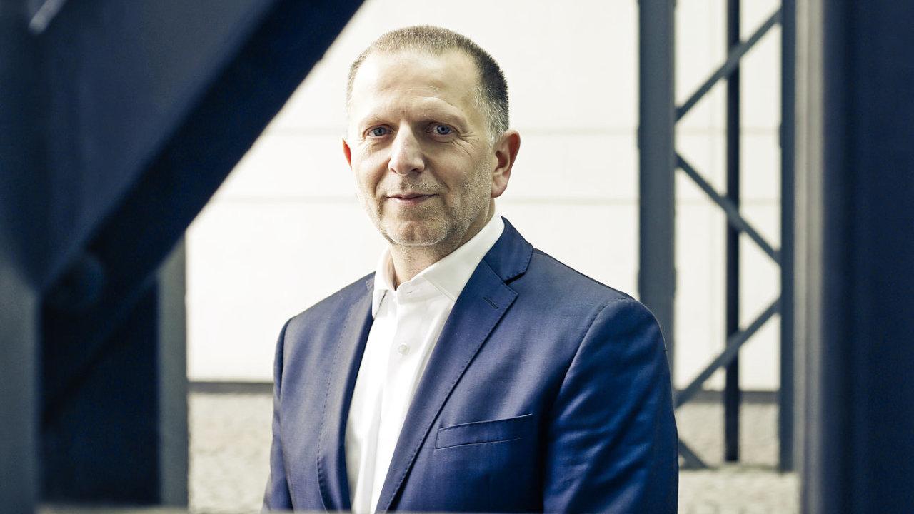 Pavel Tomek, Suas group