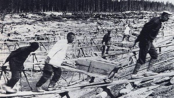 Stavba bělomořského kanálu v roce 1932
