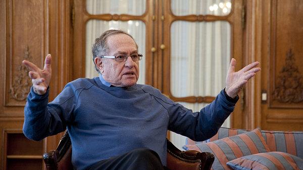 Věhlasný americký právník Alan Dershowitz, který obhajoval hráče amerického fotbalu O. J. Simpsona