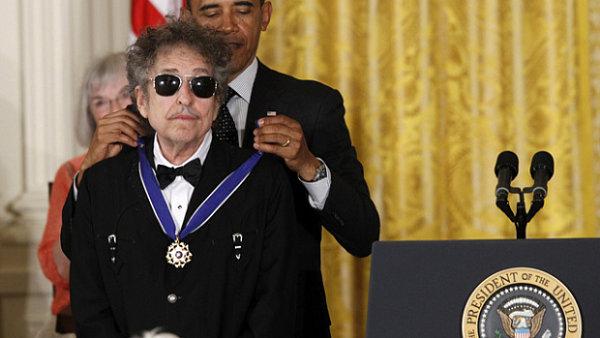 Bob Dylan se za celý večer jako obvykle neusmál.