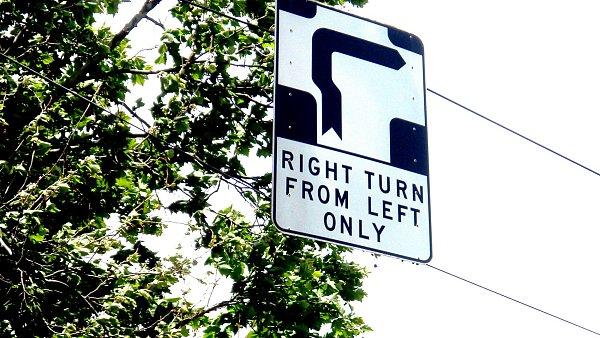 Dopravní značka hook turn