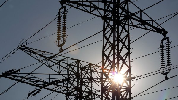 Kv�li kauze Vemex se za��tkem p��t�ho roku v�razn� zm�n� platba DPH u elekt�iny a plynu, aby se zabr�nilo dal��m podvod�m.