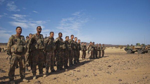 Čeští vojáci se v neděli zapojili do boje proti teroristům v Mali - Ilustrační foto.